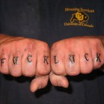 tatouage doigt articulation homme fuck luck