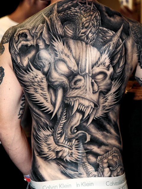 Incroyable Geant Tatouage Dragon Dos Complet
