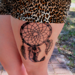 cuisse tatouage attrape reves dreamcatcher tattoo