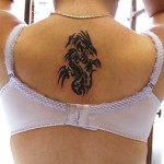 tatouage dragon tribal nuque femme japonaise