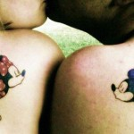 tatouage couple mickey minnie omoplate