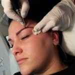 tatouage sourcils maquillage permanent femme
