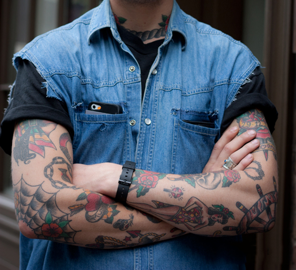 tatouage bras style old school homme